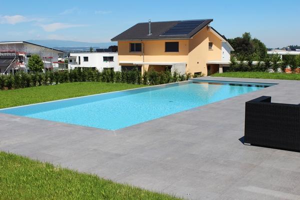 Offrez vous une piscine mistral construction sa for Construction piscine fribourg