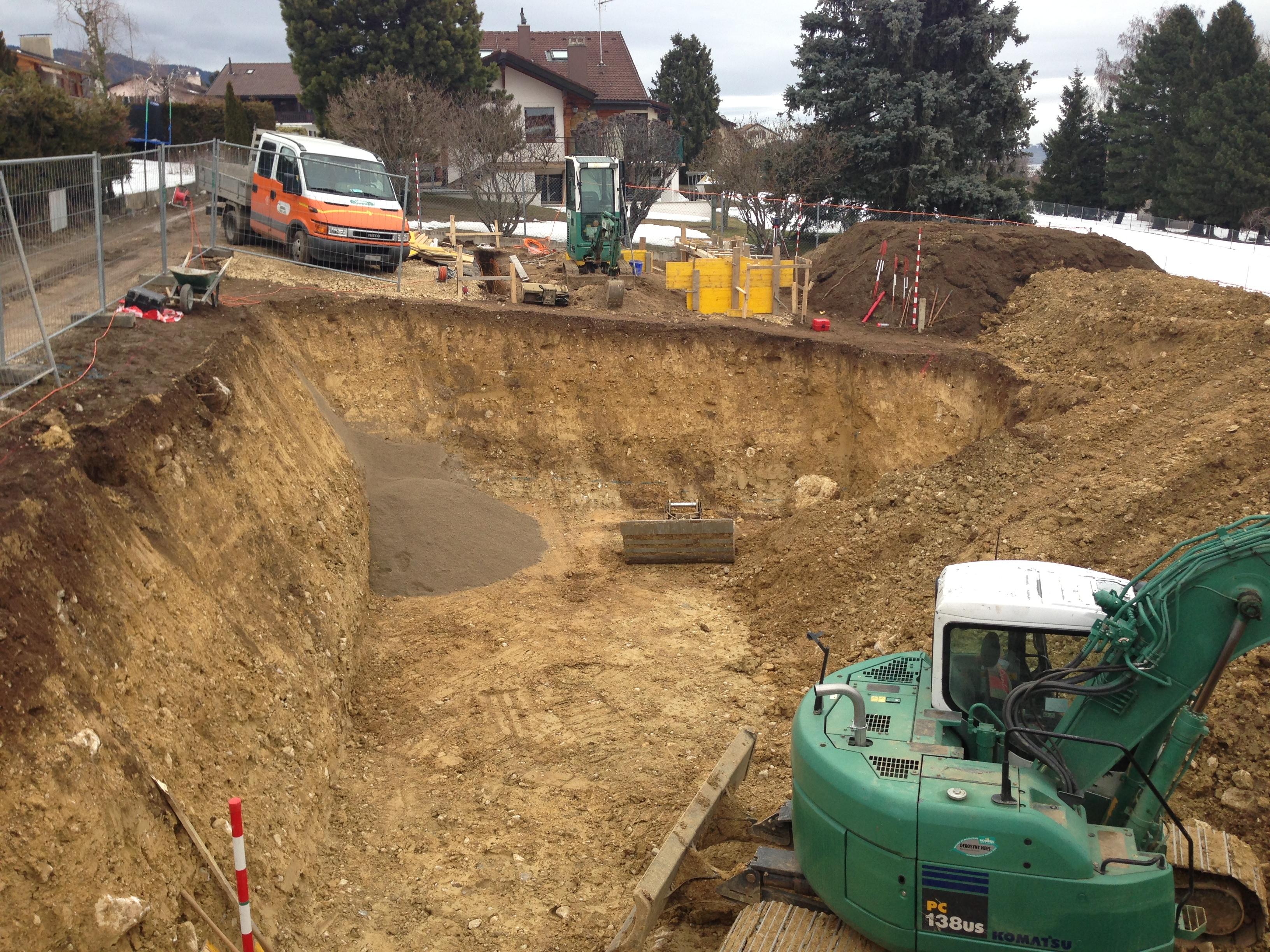 D but des travaux de terrassement d 39 une villa dans le for Construction piscine vaud